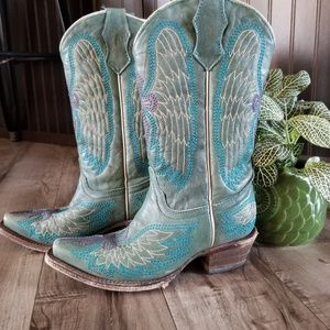 Corral size 2Teen teal boots with wings